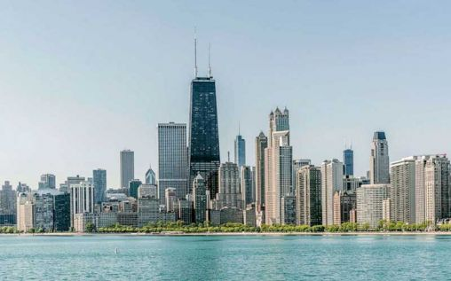 Things To Consider Before Opting For A Chicago Luxury Car Rental